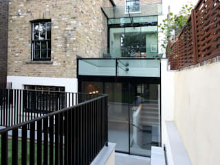 Warwick Gardens Modern windows & doors by IQ Glass UK Modern