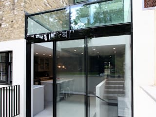 Warwick Gardens IQ Glass UK Modern windows & doors