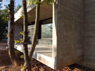 Acceso: Casas de estilo  de Comas-Pont Arquitectes slp