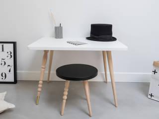 """Table rectangle """"My Lovely Ballerine"""" Ht 47 cm - Hêtre - Blanc - Laiton:  de style  par Jungle by Jungle"""