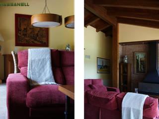 Phòng khách phong cách Địa Trung Hải bởi RIBA MASSANELL S.L. Địa Trung Hải