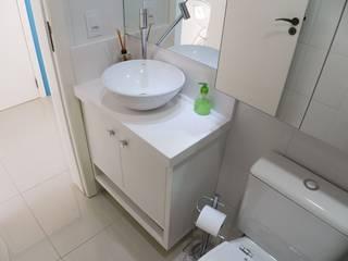 Ванные комнаты в . Автор – ANE DE CONTO  arq. + interiores, Минимализм