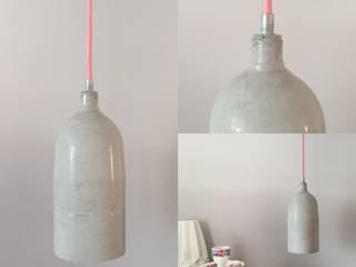 Lampen met stoer en industrieel karakter: modern  door byCoco Designstudio, Modern