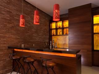 Corredores, halls e escadas modernos por Portico Arquitectura + Construcción Moderno