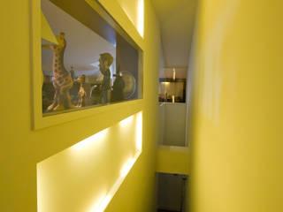 Phòng học/văn phòng phong cách hiện đại bởi TESTA studio Hiện đại