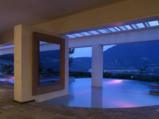 by Portico Arquitectura + Construcción Modern