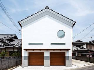 Modern Houses by 橋本健二建築設計事務所 Modern