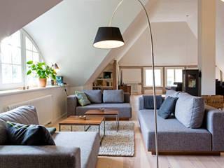 Salon scandinave par Planungsgruppe Barthelmey Scandinave