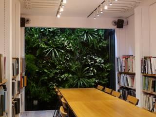 CAP_Aoyama: en景観設計株式会社が手掛けた庭です。,モダン