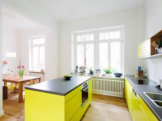Küchenplanung und Sanierung Erdgeschoss, denkmalgeschütze Gründerzeitvilla, Bad Godesberg Minimalistische Esszimmer von Jan Tenbücken Architekt Minimalistisch