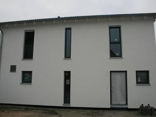 Individuell geplantes Haus mit Satteldach:   von Klaus Schmidt, Handelsvertretung Wolf System GmbH, LED Profilelement GmbH und weitere
