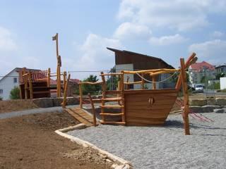 Rheber Holz Design Garden Swings & play sets Wood Amber/Gold