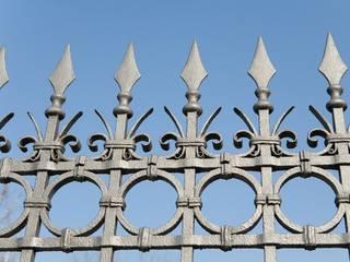 Recinzioni in ferro Finestre & Porte in stile moderno di quartieri luigi Moderno