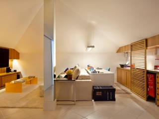 Casa Barra Salas de estar modernas por Paula Libanio Arquitetura Interiores Moderno