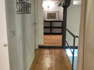 industrial style corridor, hallway & stairs by DRCF Arquitectos Industrial