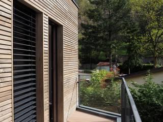 Parcel house Balcon, Veranda & Terrasse modernes par archizip Moderne