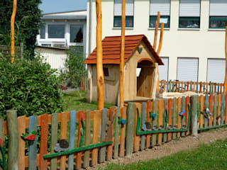 Spielhäuser und Sandkästen:   von Rheber Holz Design