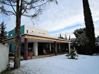Villa éclectique Maisons modernes par Martine Besson Architecte Moderne
