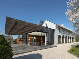 UN CHATEAU POUR 2 yann péron architecte Balcon, Veranda & Terrasse modernes