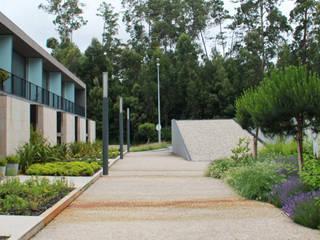 JARDIM PRIVADO DE URBANIZAÇÃO - MAIA: Jardins  por Oh!land studio, lda,Moderno