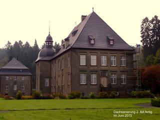 Casas clássicas por Dipl. Ing. Müller, Büro für Bauplanung und Sanierung Clássico