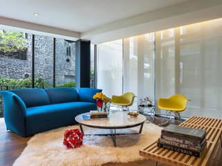 MAAD arquitectura y diseño Soggiorno eclettico