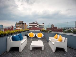 MAAD arquitectura y diseño Eklektyczny balkon, taras i weranda