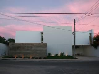 Rumah Modern Oleh TNGNT arquitectos Modern