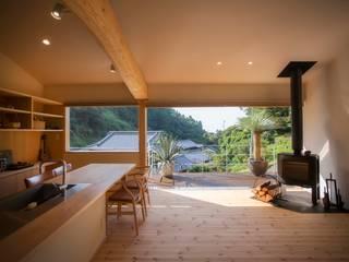 双海町の家: Y.Architectural Designが手掛けた現代のです。,モダン