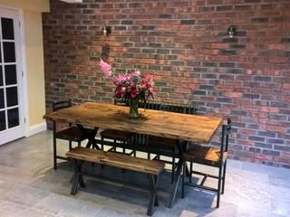 Ruang Makan oleh The Market Design & Build, Rustic
