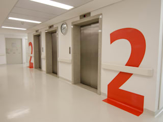 Modern Corridor, Hallway and Staircase by LMartins Fotografia Modern