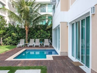 Residência Barra da Tijuca AR Arquitetura & Interiores Kolam Renang Modern
