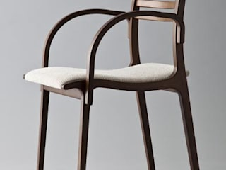 Calm: TANIGAWA STUDIO 家具デザインが手掛けたダイニングルームです。