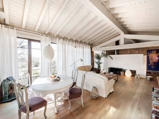 Living room by Studio Maggiore Architettura, Modern