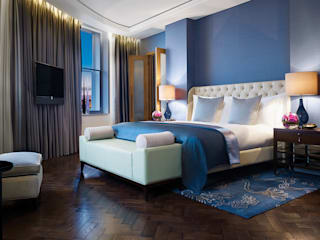 Corinthia Hotel Penthouses Classic style bedroom by Debbie Flevotomou Architects Ltd. Classic Wood Wood effect