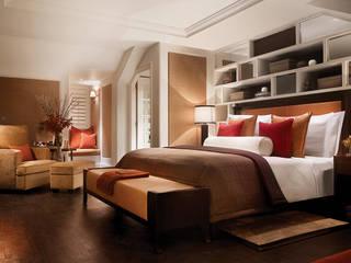 Corinthia Hotel Penthouses Modern style bedroom by Debbie Flevotomou Architects Ltd. Modern