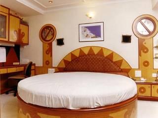 Bedroom by NAMAN INTERIORS - Turnkey Interior Contractors,