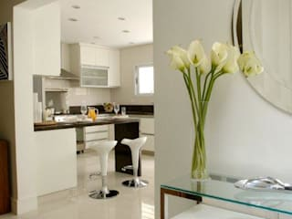 modern  by Tatiana Spencer Arquitetura e Design, Modern