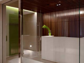ESCRITÓRIO FURLANETTO BERTOGNA SOCIEDADE DE ADVOGADOS: Espaços comerciais  por Aquadrado Arquitetura