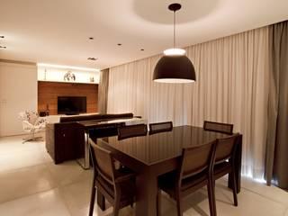 APARTAMENTO RM51: Salas de estar  por Aquadrado Arquitetura