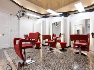 Salone di bellezza / Beauty center | Torino | 2013 : Negozi & Locali commerciali in stile  di studio AGILE