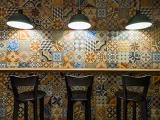 Projeto Comercial | Pizzaria Espaços gastronômicos modernos por Melina Mundim | Design de Interiores Moderno