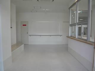 โดย 設計工房 A・D・FACTORY 一級建築士事務所 ผสมผสาน