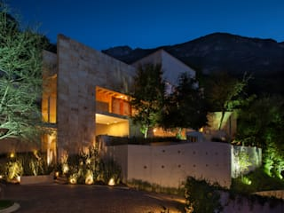Casa del Arbol: Casas de estilo moderno por Pórtico