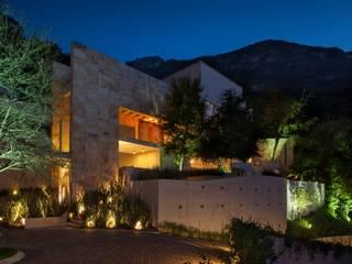 Portico Arquitectura + Construcción Rumah Modern