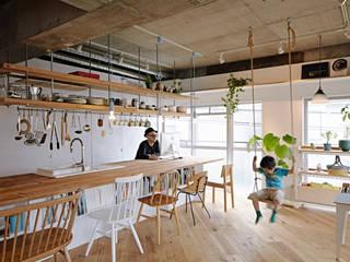 Cocinas de estilo industrial de .8 / TENHACHI Industrial