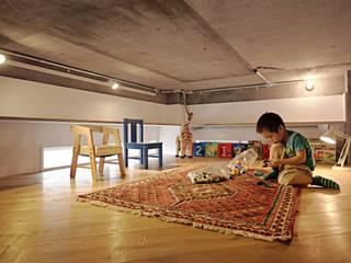 .8 / TENHACHI Industrial style nursery/kids room
