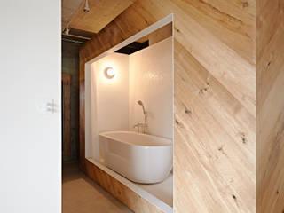 .8 / TENHACHI Industrial style bathroom