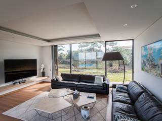ZeroLimitsArchitects Modern Living Room