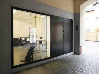Przebudowa biura od INOSTUDIO Industrialny